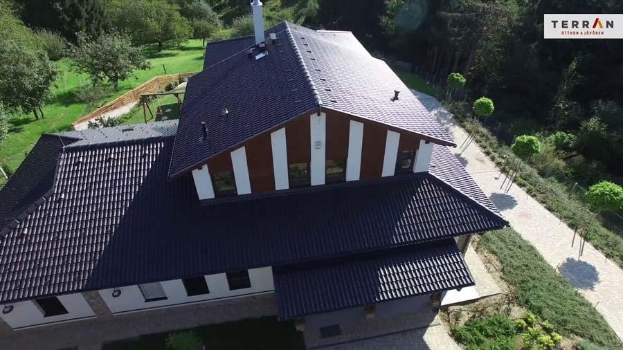 Terran Danubia Resistor tetőcserép