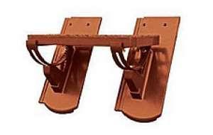 Bramac fém járócserép kengyellel (alumínium) Reviva tetőcseréphez